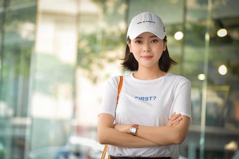 Cao Thai Ha: 'Huu Vi qua lanh lung nen toi phai chu dong ru di choi' hinh anh 4