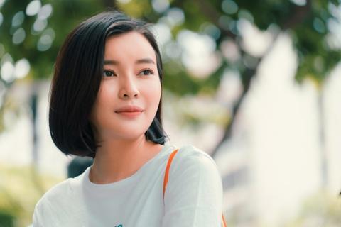 Cao Thai Ha: 'Huu Vi qua lanh lung nen toi phai chu dong ru di choi' hinh anh 2