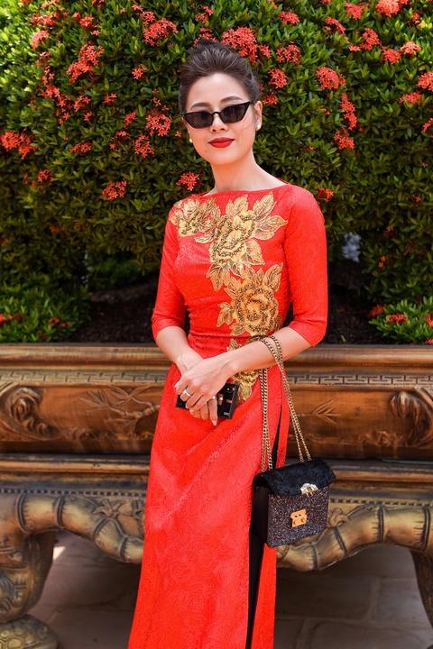 Nghe si Viet tap nap den nha tho cua Hoai Linh dang huong To nghe hinh anh 6