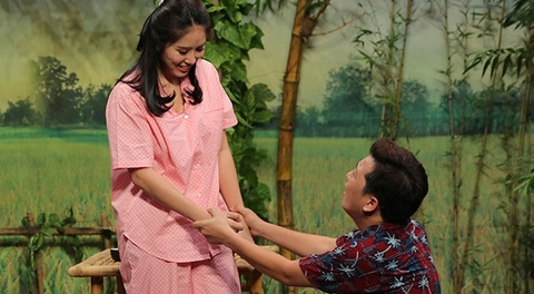 Le Phuong lua tien, mang Truong Giang 'ngu rang chiu' o On gioi hinh anh