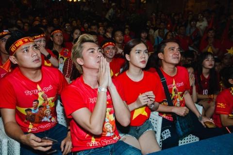 Dan sao Viet vo oa khi tuyen Viet Nam vo dich AFF Cup 2018 sau 10 nam hinh anh 7