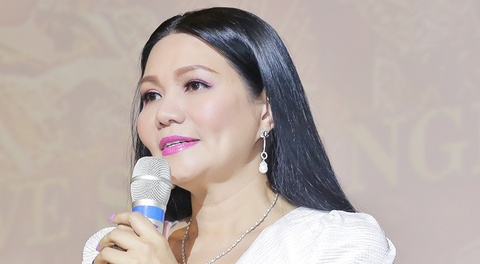 Ngoc Huyen bat khoc khi live show bi huy vao phut chot hinh anh