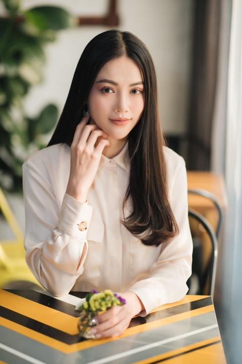 Hoa hau Phuong Khanh: 'Moi ngay o Singapore, chi tieu 150.000 dong' hinh anh 4