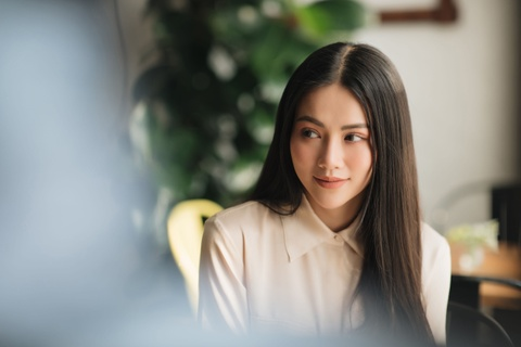Hoa hau Phuong Khanh: 'Moi ngay o Singapore, chi tieu 150.000 dong' hinh anh 1