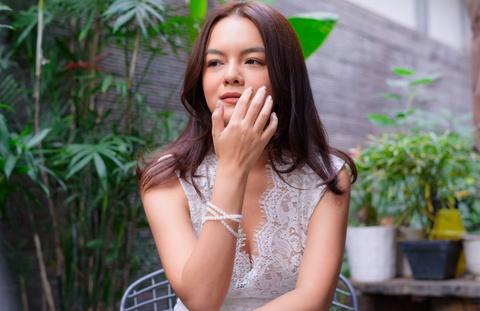 Pham Quynh Anh bat khoc khi noi ve hon nhan tan vo voi Quang Huy hinh anh