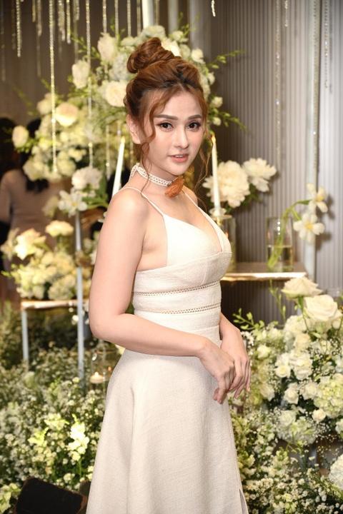 Tran Thanh cung dan sao du tiec cuoi cua Duong Khac Linh va Sara Luu hinh anh 17