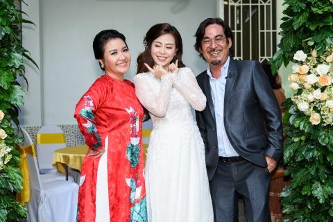 Dien vien Vu Ngoc Anh va Anh Tai hanh phuc trong le ruoc dau hinh anh 3