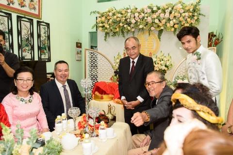 Dien vien Vu Ngoc Anh va Anh Tai hanh phuc trong le ruoc dau hinh anh 9