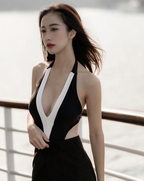 Jun Vu nghien khoe anh sexy, khong nam ngoai trao luu cua my nhan Viet hinh anh 8