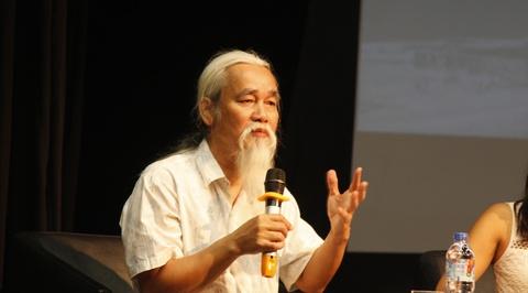 Nha phe binh Pham Xuan Nguyen doc tho Phan Vu hinh anh