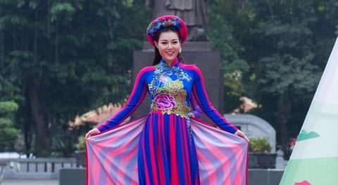 Thanh Huong cua 'Quynh bup be' tu tin trinh dien ao dai hinh anh