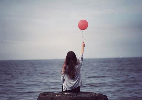 Cô đơn, sống không mục đích, người trẻ đang 'nghịch' gì với đời mình?