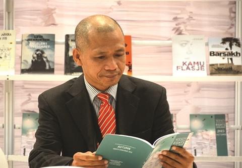 Tiến sĩ Nguyễn Mạnh Hùng tham dự diễn đàn xuất bản thế giới