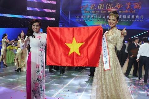 Hoa hau Quy ba The gioi xin loi su co sai ten nuoc Viet Nam hinh anh