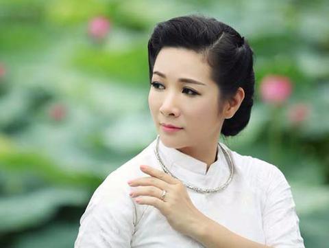Thanh Thanh Hien truot NSND vao phut chot hinh anh
