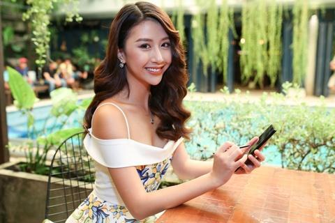 Ly Nha Ky, Lan Ngoc, Quynh Anh Shyn hao hung mua sam qua Samsung Pay hinh anh 5