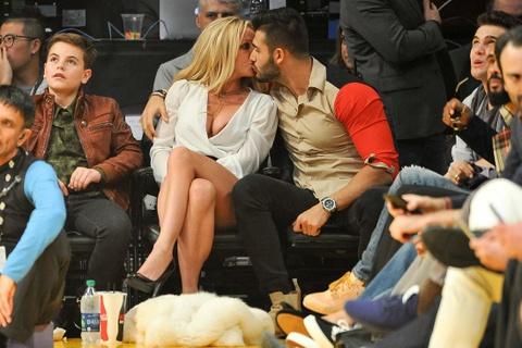 Britney Spears tuoi 36: Ca hat, ve tranh va se cuoi nguoi yeu 23 tuoi? hinh anh 3