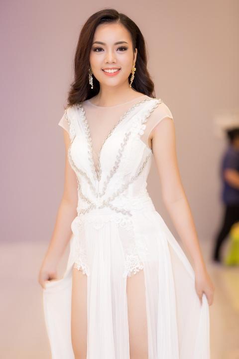 Hoa hau dep nhat the gioi 2008 ruc ro ben Pham Huong va thi sinh HHHV hinh anh 18