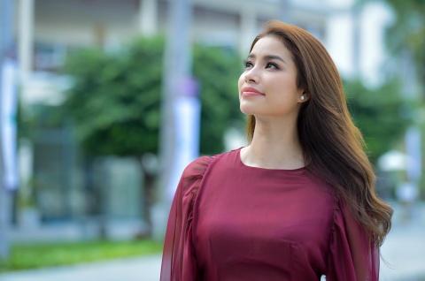Pham Huong: 'Cha mat som khien toi hieu cuoc doi khong hoan hao' hinh anh 3