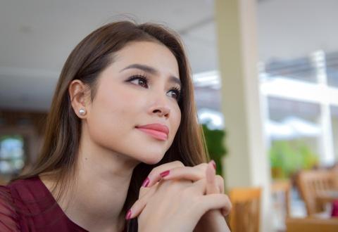 Pham Huong: 'Cha mat som khien toi hieu cuoc doi khong hoan hao' hinh anh 2