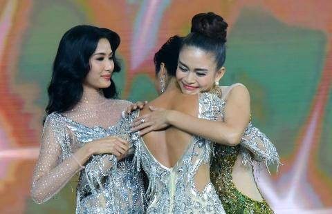 Tan Hoa hau H'hen Nie duoc ung ho: 'Tai sao phai lay chuan da trang?' hinh anh 2