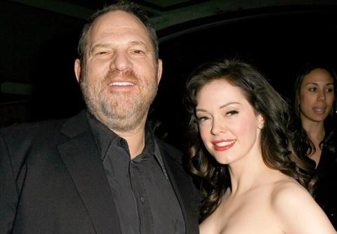 Nan nhan cua ong trum Hollywood bi to gay ap luc khien quan ly tu tu hinh anh