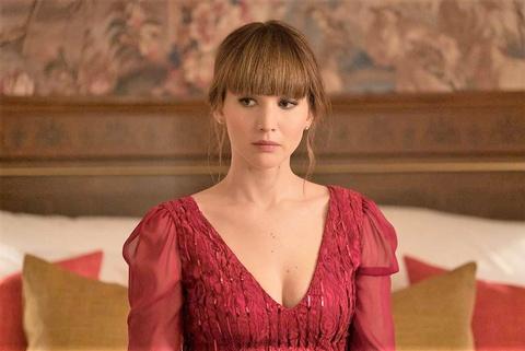 Jennifer Lawrence: Sau dinh cao, vuc sau se la su tai sinh? hinh anh 3