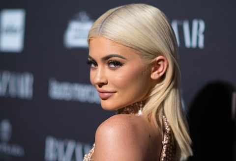 Kylie Jenner lam gia co phieu Snapchat sut 1,5 ty USD vi mot cau noi hinh anh