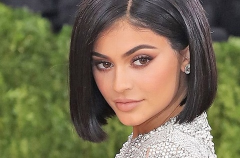 Kylie Jenner lam gia Snapchat sut ty USD: Quyen luc dat sai cho hinh anh