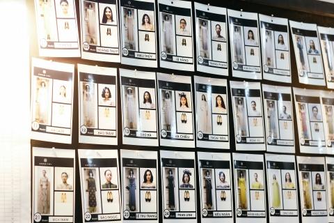 Hau truong mau Fashion Week: Ngoi bet trang diem, an voi cho gio dien hinh anh 4
