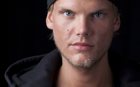 Bi kich DJ Avicii: Tuoi tre mai suc vi am nhac roi lui tan vi ruou hinh anh