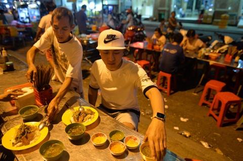 Chang duong 240 km di hat hoi cho cua Chau Khai Phong hinh anh