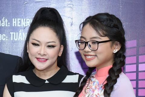 Nhu Quynh hoi ngo Quang Le, Phuong My Chi hinh anh