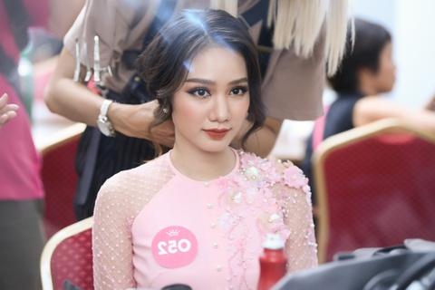 Nguoi dep Hoa hau Viet Nam 2018 dien bikini do ruc trinh dien hinh anh 1