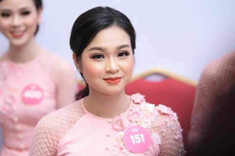Nguoi dep Hoa hau Viet Nam 2018 dien bikini do ruc trinh dien hinh anh 2
