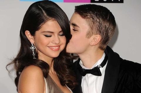 Tinh tay ba tro treu cua Justin Bieber, Selena Gomez va Hailey Baldwin hinh anh 2