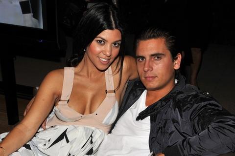 Kylie Jenner va loi nguyen 'huy hoai dan ong' cua gia toc Kardashian hinh anh 1