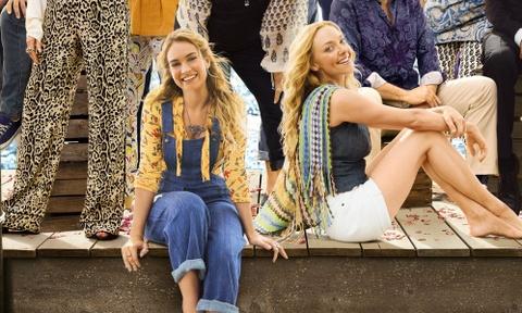 Lily James hat 'Mamma Mia' va vai canh trong phim cung ten hinh anh