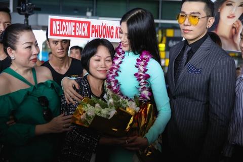 Hoa hau Trai dat 2018 Phuong Khanh khong doi vuong mien ngay tro ve hinh anh 5