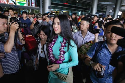 Hoa hau Trai dat 2018 Phuong Khanh khong doi vuong mien ngay tro ve hinh anh 11