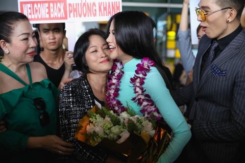 Hoa hau Trai dat 2018 Phuong Khanh khong doi vuong mien ngay tro ve hinh anh 6