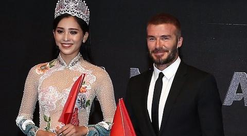 Tieu Vy tang co Viet Nam cho David Beckham tai su kien ra mat VinFast hinh anh