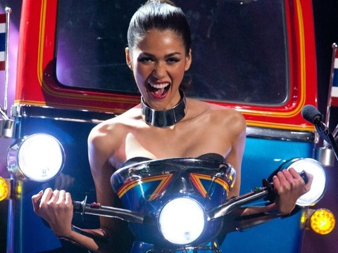 10 trang phuc dan toc dep va doc dao nhat Miss Universe 10 nam qua hinh anh