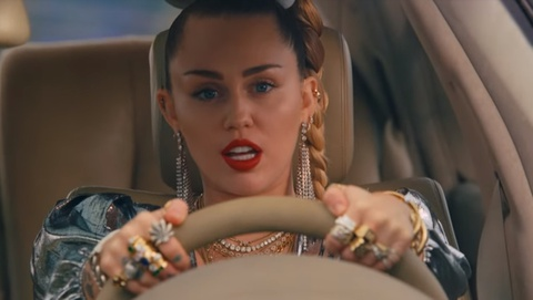 'Nothing Breaks Like a Heart' - Mark Ronson, Miley Cyrus hinh anh