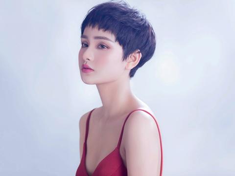 Hien Ho: 'Toi khong ngai phau thuat tham my, dep hon co gi la xau?' hinh anh