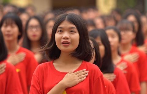Hoc tro THPT Tran Nguyen Han hat tang truong tron 40 tuoi hinh anh