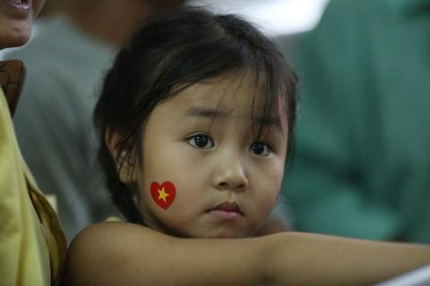 Nguoi Sai Gon roi nuoc mat nuoi tiec cho U23 Viet Nam hinh anh 11