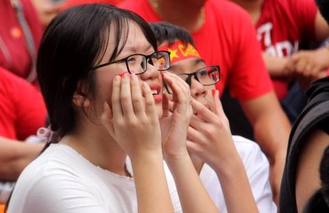 Nguoi Sai Gon roi nuoc mat nuoi tiec cho U23 Viet Nam hinh anh 5