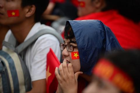 Nguoi Sai Gon roi nuoc mat nuoi tiec cho U23 Viet Nam hinh anh 7