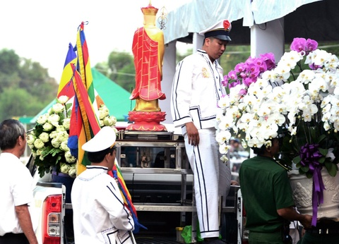 Thu tuong Nguyen Xuan Phuc vieng ong Phan Van Khai tai que nha hinh anh 3